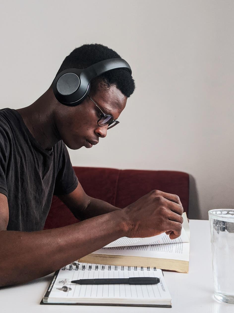 Illustration étudiant avec lunettes